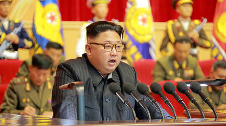 El líder norcoreano, Kim Jong-un, preside el tercer Encuentro de Activistas del Ejército de Corea en Pionyang.