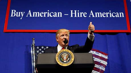 Presidente estadounidense, Donald Trump, en un acto sobre su iniciativa 'Buy America, hire America'