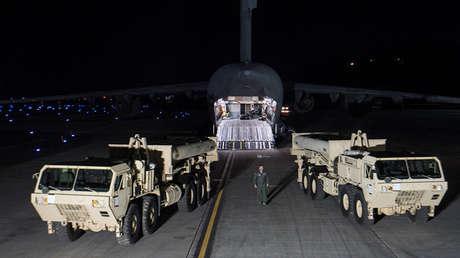 Los vehículos del sistema THAAD a su llegada a Corea del Sur