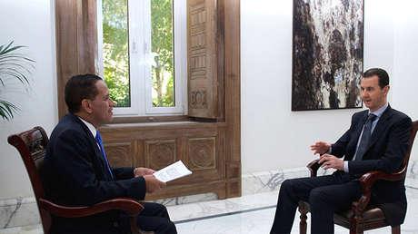 El presidente sirio Bashar Al Assad durante la entrevista con Telesur.