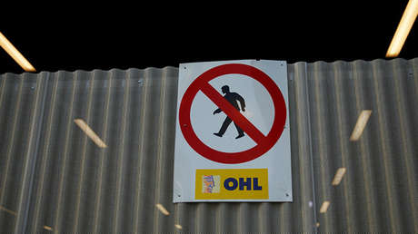 Cartel en una obra en Madrid de OHL