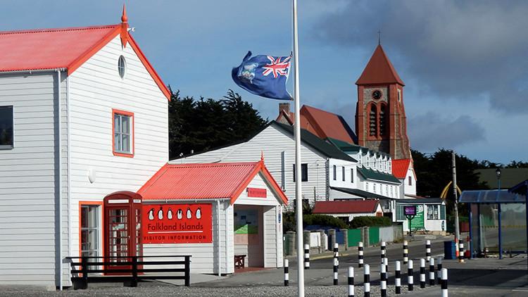 Las Malvinas estudia pedir visa a los argentinos que visiten el archipiélago