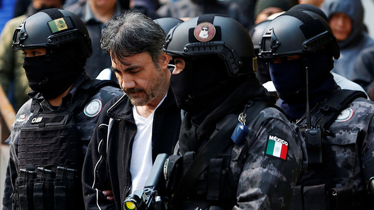 Quién es la mujer que acompañaba al presunto sucesor de 'El Chapo' durante su captura