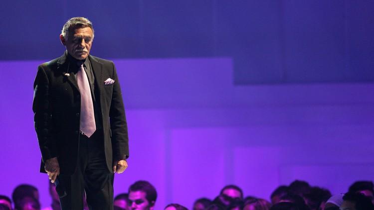 Un famoso cómico mexicano denuncia que lo amenazaron con una pistola por criticar a Peña Nieto