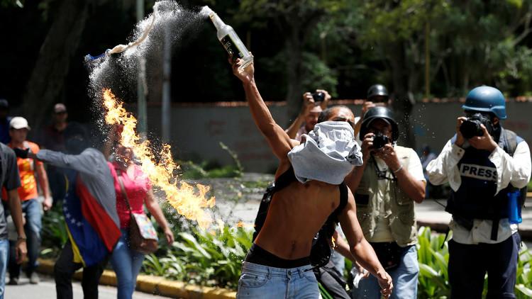 EE.UU. amenaza con sancionar a Venezuela por la convocatoria de una Asamblea Nacional Constituyente