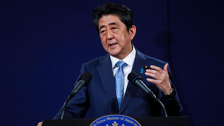 El primer ministro de Japón propone modificar la Constitución y acabar con su carácter pacifista