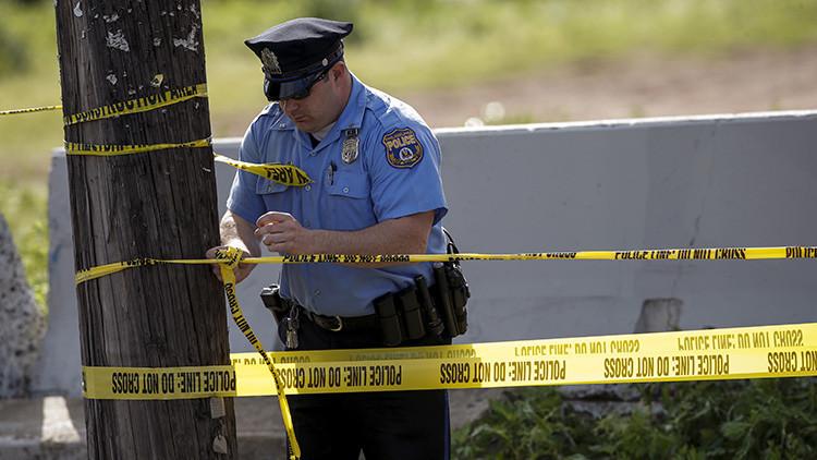 EE.UU.: Al menos 3 muertos y 11 heridos al abrirse paso un jeep entre una multitud en Massachusetts