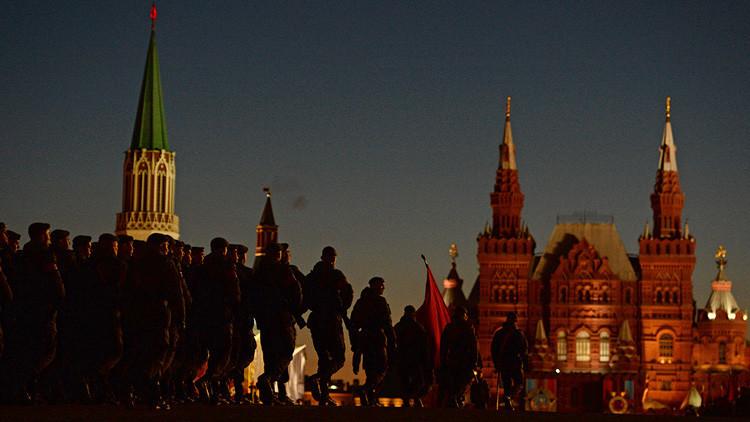 VIDEO: Moscú acoge un ensayo del desfile militar con motivo del Día de la Victoria en Rusia