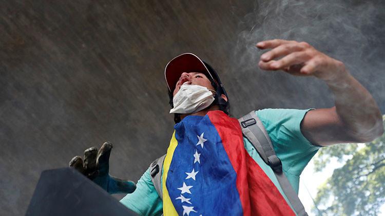 ¿Qué persiguen los grupos armados en Venezuela?