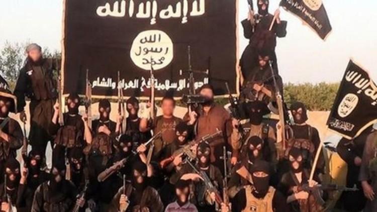 Experto en explosivos del Estado Islámico muere al estallar el coche bomba que preparaba