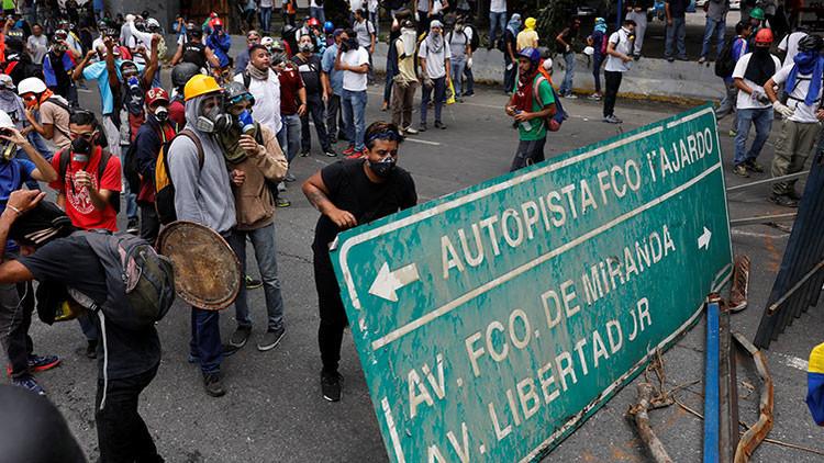 ¿Incendiar el país o ir a Constituyente? La encrucijada de la oposición venezolana
