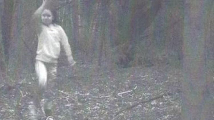 La verdad detrás de la foto de la 'niña fantasma' que ha causado revuelo en EE.UU.