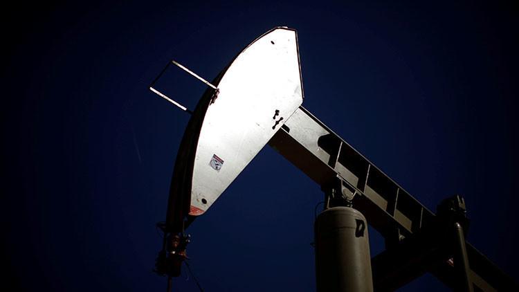 El crudo WTI cae por debajo de los 45 dólares por barril por primera vez en cinco meses