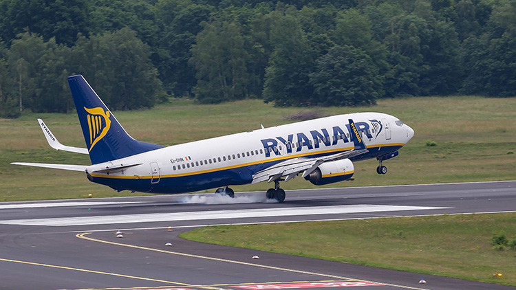 Avión lleno de fans del rugby que volaban del Reino Unido a España aterriza de emergencia en París