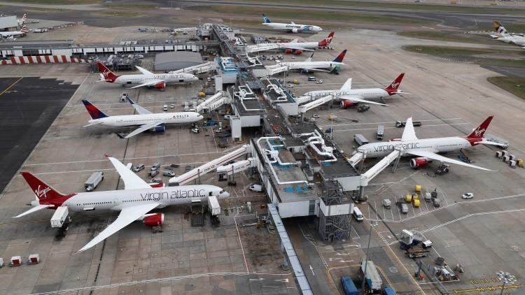 Londres: Suspenden todos los vuelos en una terminal de Heathrow por un problema de seguridad