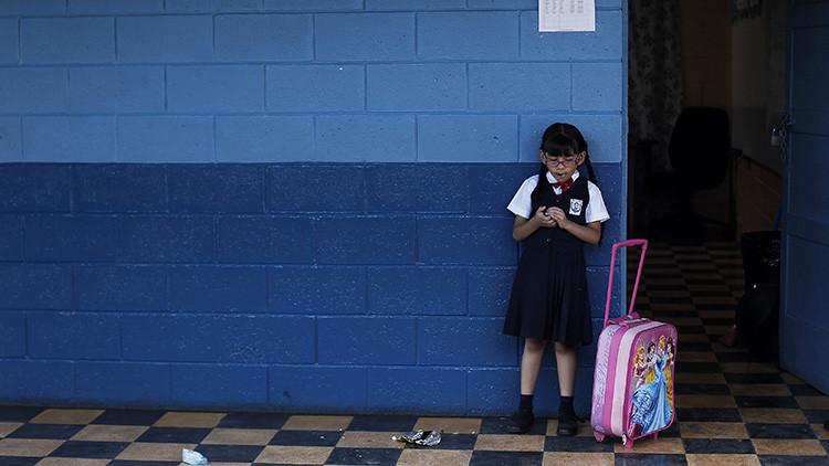 Anuncio del Día del Maestro en Puerto Rico: Cerrarán 184 escuelas por la crisis económica