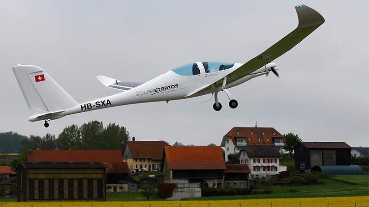 VIDEO: Suiza ensaya el primer avión solar capaz de alcanzar la estratosfera