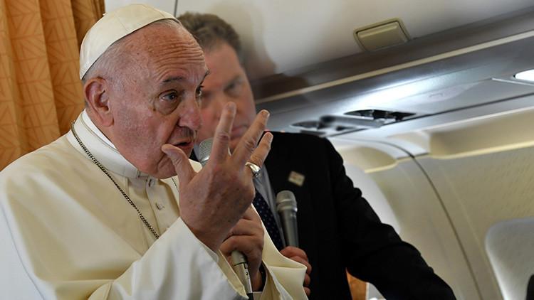 """El papa Francisco confiesa que le """"avergüenza"""" que se llame """"madre"""" a una bomba"""