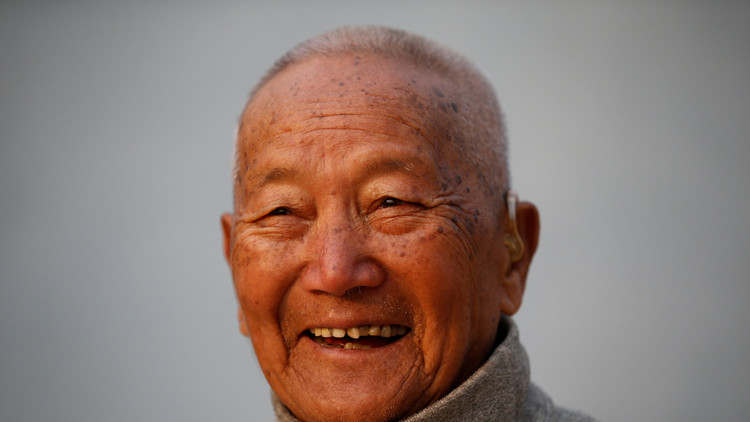 Muere en el Everest a los 85 años cuando intentaba volver a ser el escalador más longevo del monte