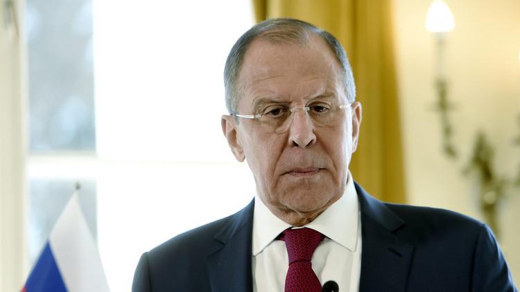 """Lavrov: """"La reunión entre Putin y Trump no debería ser solo un apretón de manos"""""""