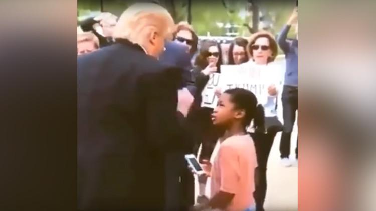 Una niña regaña a 'Donald Trump' de esta forma y se vuelve viral (VIDEO)