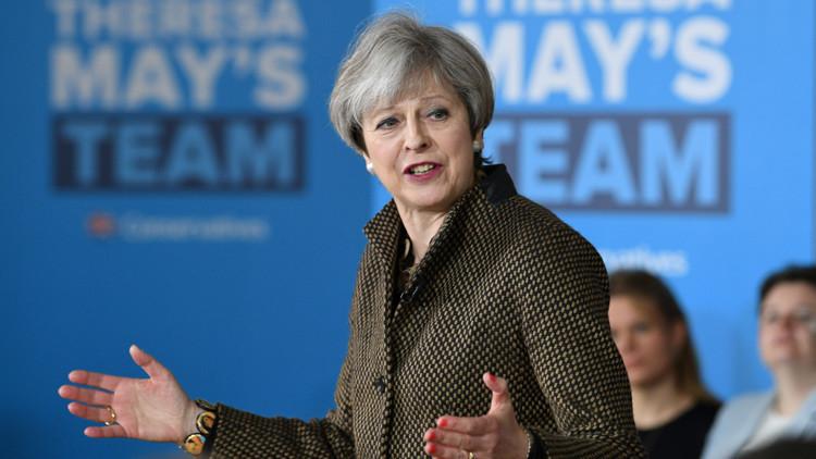 Theresa May pide un mandato tan fuerte como el de Macron para negociar 'Brexit' correctamente