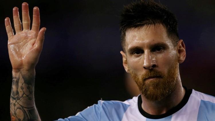 La otra cara de la popularidad: El 'Messi' iraní necesita a la Policía para su propia protección