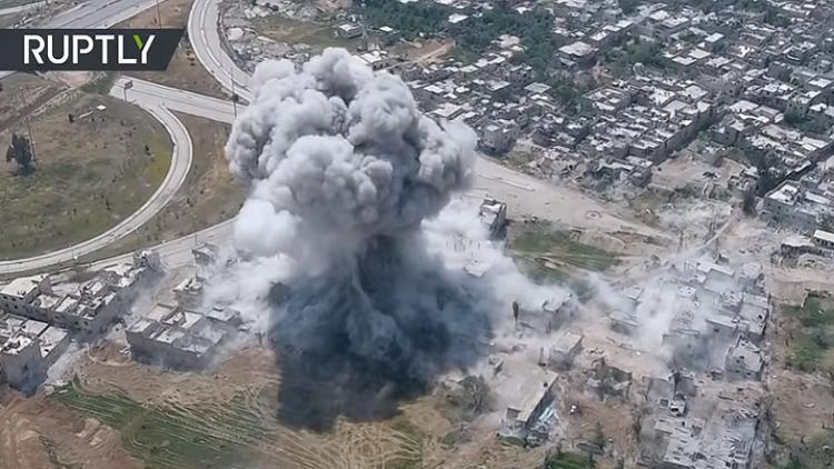 Un dron capta un ataque brutal del Ejército sirio contra milicianos en Damasco (VIDEO)