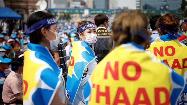 Cientos de surcoreanos recurren a los tribunales para evitar el despliegue del THAAD (Fotos)