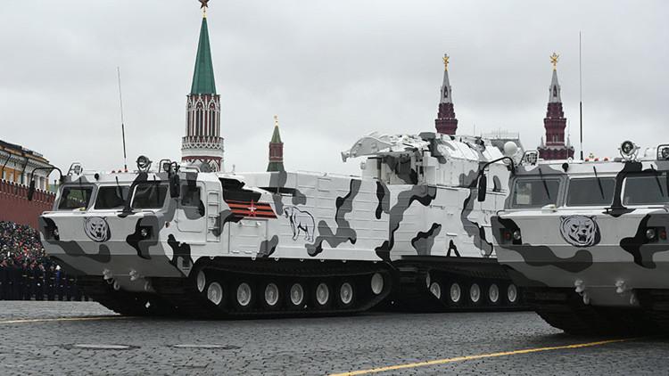 Las ventajas del equipo militar ártico que participó en el desfile del 9 de mayo en Moscú (FOTOS)