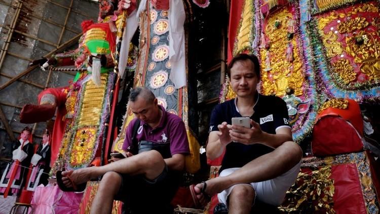 Devorando la Red: 'App' china desafía a WhatsApp, Facebook, Instagram, Skype, Paypal y Amazon juntos