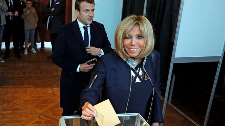 Maestra, musa y esposa: Brigitte, el arma secreta de Emmanuel Macron