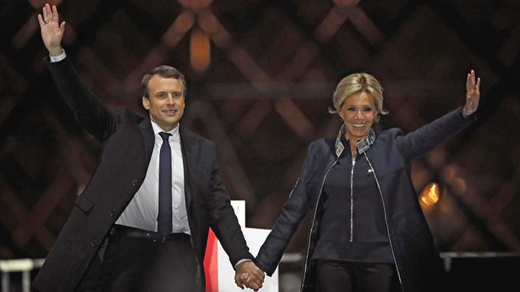 'Amor de novela': La mujer de Macron, blanco de críticas por ser 24 años mayor que él