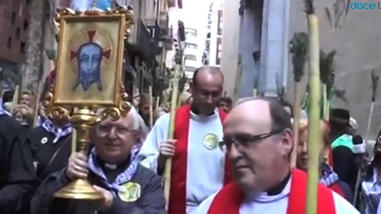 España: Una adolescente 'devota del diablo' profana una reliquia que supuestamente tocó Jesucristo