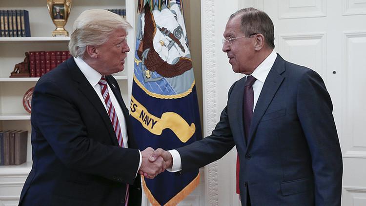 Cómo medios de EE.UU. inventaron una noticia falsa tras la reunión de Trump y Lavrov