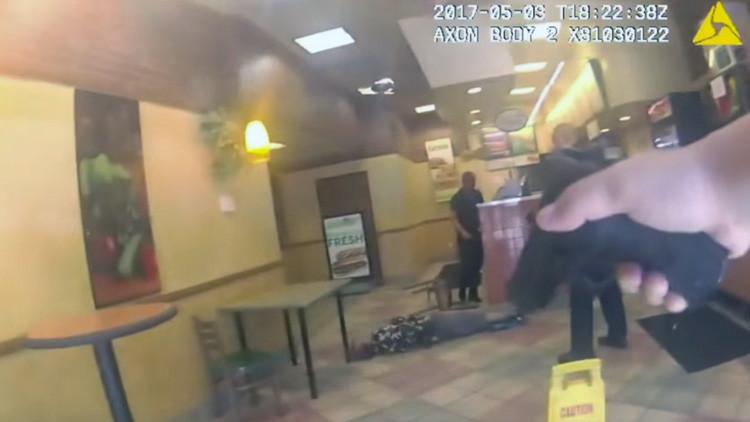EE.UU.: Policía mata a un hombre en un restaurante de Subway (Video)