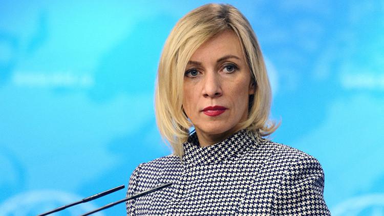 """Cancillería rusa: los medios estadounidenses sufren una """"agonía intelectual"""""""