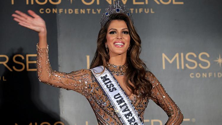 'Hackean' la página de Miss Universo en Facebook y la inundan de imágenes dudosas (FOTO)