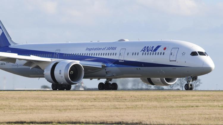 Un Boeing japonés aterriza de emergencia en Siberia