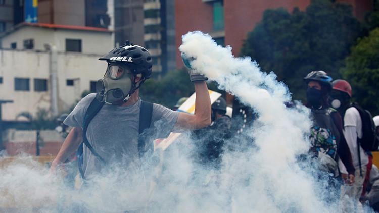 El huracán del dinero se mueve en las 'protestas' venezolanas