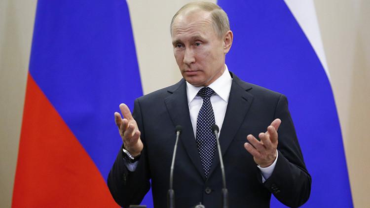 """Putin: """"El estancamiento del crecimiento económico global se superará rechazando la retórica bélica"""""""