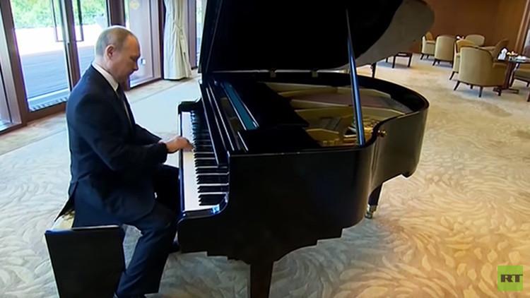 VIDEO: Putin toca el piano en la residencia de Xi Jinping en Pekín