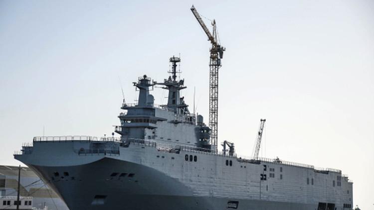 Cómo hizo Rusia para conseguir gratis los portahelicópteros Mistral