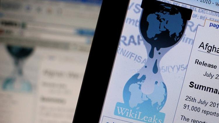 Snowden y Chomsky envían una carta abierta a Trump