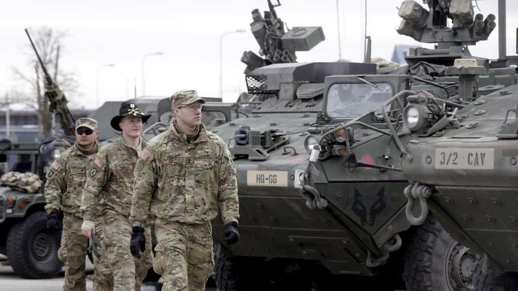 EE.UU. 'esconde' sus vehículos blindados de los Armata rusos