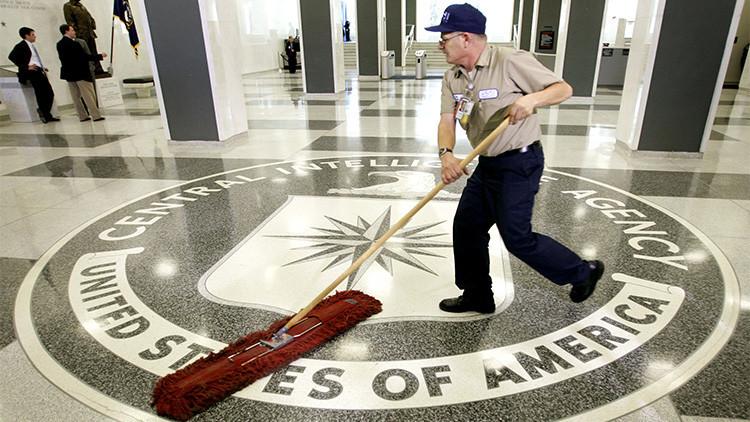 """""""La CIA es la agencia de espionaje más peligrosamente incompetente del mundo"""""""