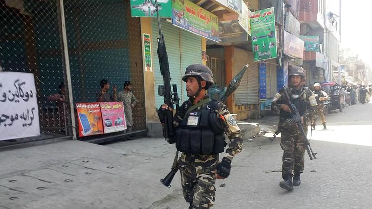 Afganistán: Un grupo armado ataca una emisora de radio y televisión