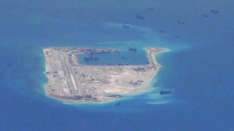 China instala lanzamisiles en una isla en disputa