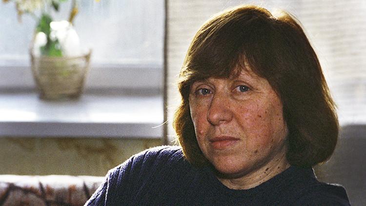 Svetlana Alexiévich, Premio Nobel de Literatura en 2015, refuta informes sobre su muerte