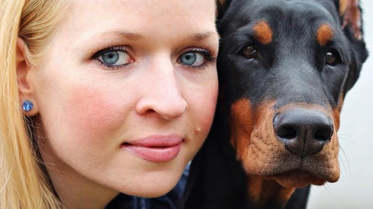 Científicos: los perros pueden 'hablar' con los humanos, especialmente con las mujeres